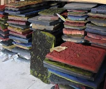 潍坊杨家埠年画创新中传承89岁老人年卖15万张