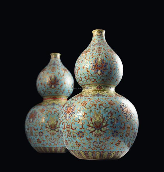 枝花卉寿字纹葫芦瓶