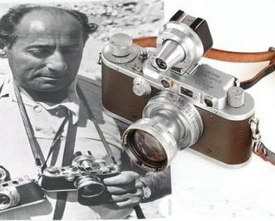 拍摄广场之吻的莱卡相机将被拍卖