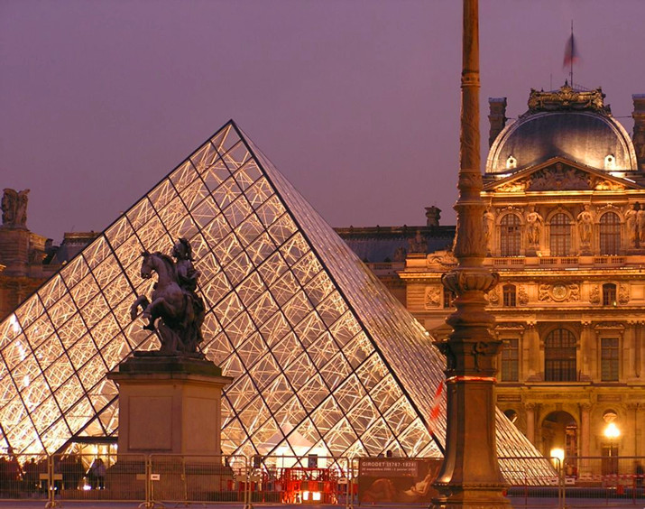 卢浮宫博物馆:杰出的艺术建筑