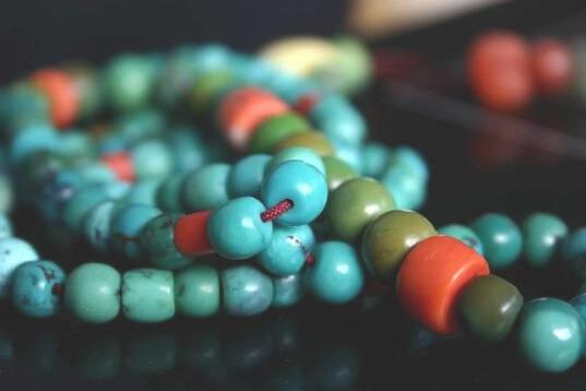 绿松石辨真假:用水泡不靠谱