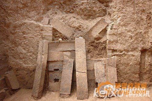 考古:秦始皇陵发现迄今中国最大古砖