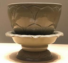 """187件秘色瓷现身故宫 揭开传说中""""秘色瓷""""的千年之谜"""