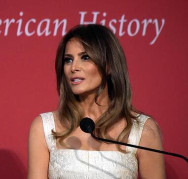 第一夫人剽窃风波 已不是第一次 还曾抄袭奥巴马夫人米歇尔演讲稿