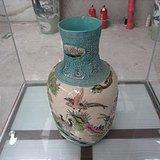 清雕花棒槌瓶