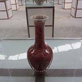 豇豆红描金菊瓣瓶