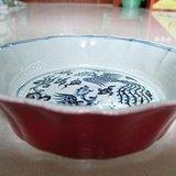 明宣德款珊瑚红釉暗刻鱼藻纹葵口洗